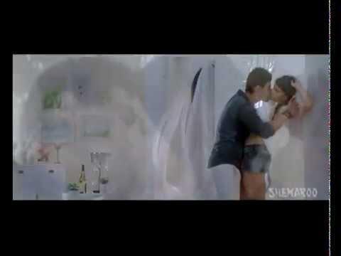 Mannara & Karanvir Sharma hot scene in Zid