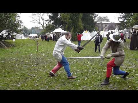 Medieval swordsmanship : demonstration