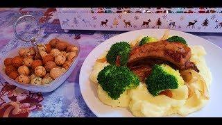 На обед ребрышки картошка и броколи
