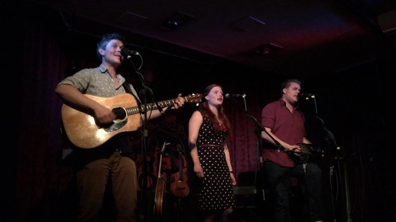 Dovetail Trio - Bold Champions