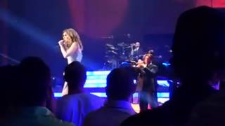 Celine Dion - Kiss / Purple Rain (Prince Medley Caesars Palace 27/8/2015)