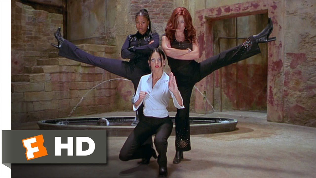 image Anna faris kathleen robertson scary movie 2