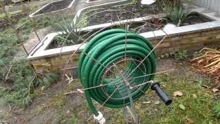 Приспособление для намотки и хранения садового шланга