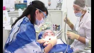 Чистка зубов в стоматологии Эстэо.avi(, 2010-02-11T10:47:36.000Z)