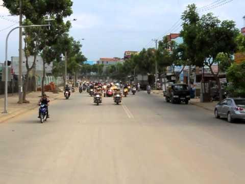 Đoàn Siêu Xe đang tiến vào thành phố Đà Nẵng