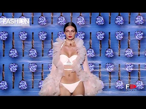 ANDRES SARDA Fall Winter 2017-18 Madrid Mercedes Benz - Fashion Channel