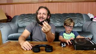 Today we reviewed the Skull Candy Hesh 3 over the ear headphones. T...