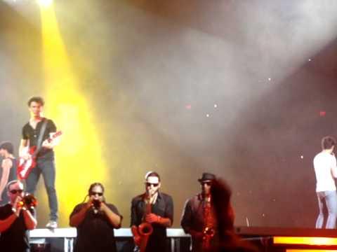 Jonas Brothers Burnin Up Encore Live San Antonio Tx