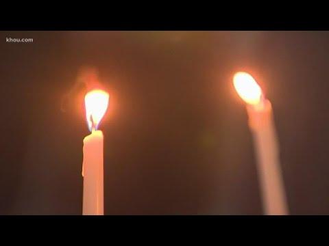 Hundreds of Houstonians gather for prayer vigil honoring synagogue shooting victims