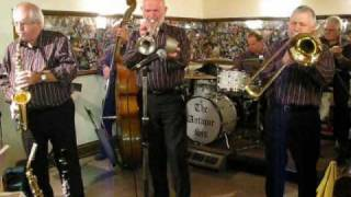 Antique Six Jazz Band play Bluin the Blues