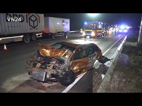 02.01.2020 - VN24 - Schwerer Auffahrunfall Auf A2 Bei Beckum - Staff-Truck Beteiligt