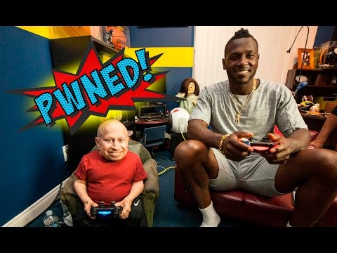 Antonio Brown of the Pittsburgh Steelers VS. Verne Troyer playing Madden NFL 16 - PWNED!
