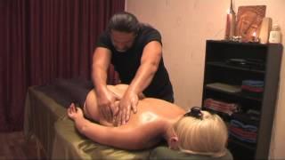 Массаж спины в массаж-студии