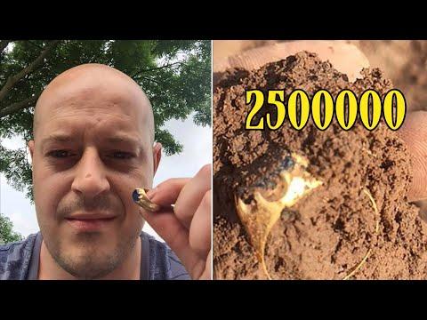 Мужчина с металлоискателем нашёл кольцо в лесу и отдал его на аукцион Christie's для продажи.
