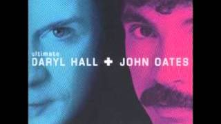 Kiss On My List - Hall & Oates lyrics