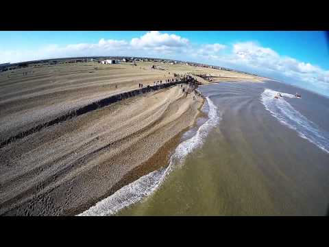 """Arrival of RNLI 13-02 """"The Morrell"""" at Dungeness - 21st February 2014 (RAW Footage)"""
