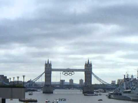 Tower Bridge Olympic rings
