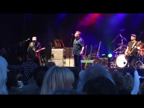 Proclaimers - letter from america - Lechlade music festival 2016
