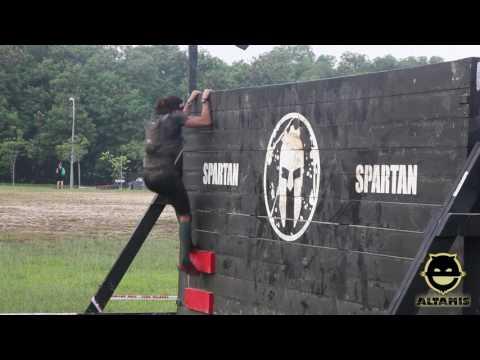 Spartan Race Singapore. Super. Elite Female  - 8ft Wall