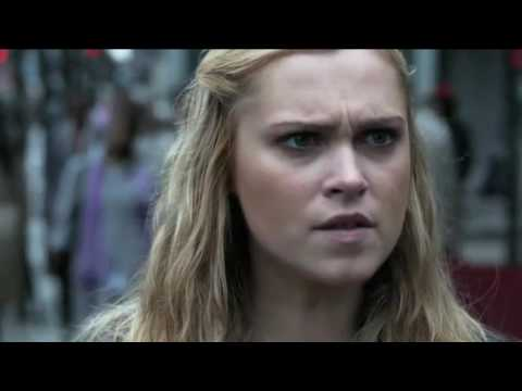 Clarke enters the City of Light 3x16