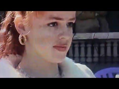 الجزاءر كليدونيا الجديدة قصة حب مدهلةAlgérie,nouvelle Calédonie:Il embrasse la terre de ses ancétres