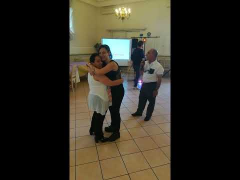 18°alessia il ballo con la nonna  5 maggio 2017 canta il nonno