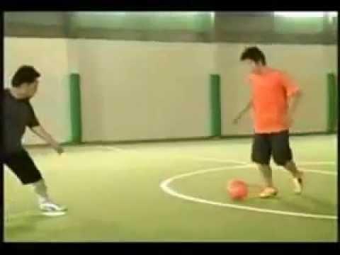 Sepak Bola::Teknik Dasar Dirbble.