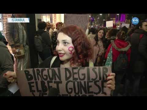 Kadınlar 8 Mart'ta Taksim'de Buluştu