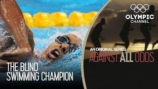 видео Видео: Тренер меняет лица за секунду, радуясь победе команды