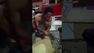 Cara membuat lobang tempat engsel cendok