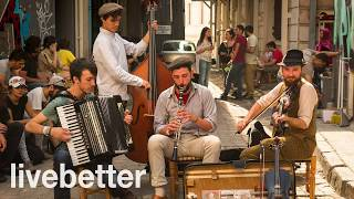 Modern jazz gypsy music mix romanian hungarian to read Hamlet (in caps)