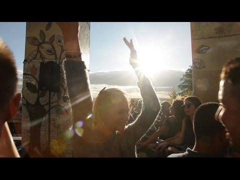 """""""Le Renouveau"""" de la Fête - Documentaire"""