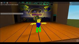 noob dances to we are number one in roblox