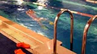 Моя девочка занимается в бассейне))) Василинушка (6лет.)