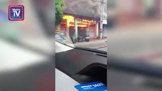 Kedai lama terbakar