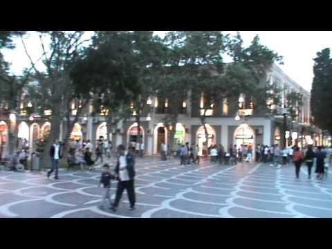 escXtra in Baku: Fountain Square