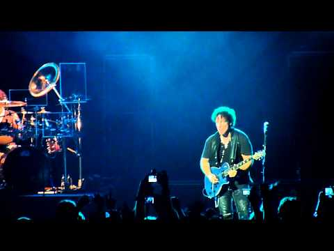 DON'T STOP BELIEVIN' - JOURNEY BRASIL - 30-03-2011 - VIA FUNCHAL