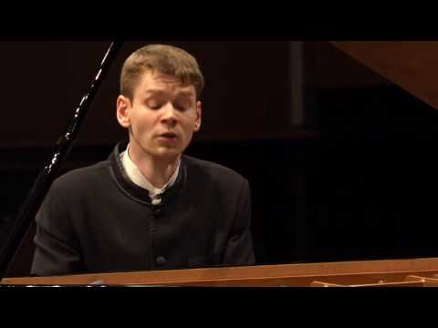 Andrey Gugnin plays Liszt : Transcendental Étude No.5 'Feux Follets'