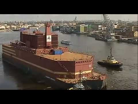 """Russia's Floating Nuclear Plant Dubbed """"Floating Chernobyl"""" by Critics As It Heads Out to Sea"""