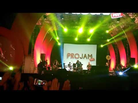 Tipe-X live in PROJAM fest surabaya Kamu Ngak Sendirian