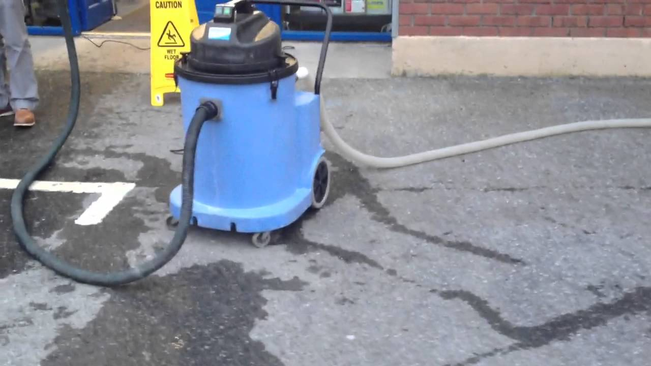 Wet Vacuum With Pump Out Youtube