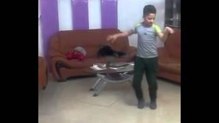 رقص پسر بچه زیبا