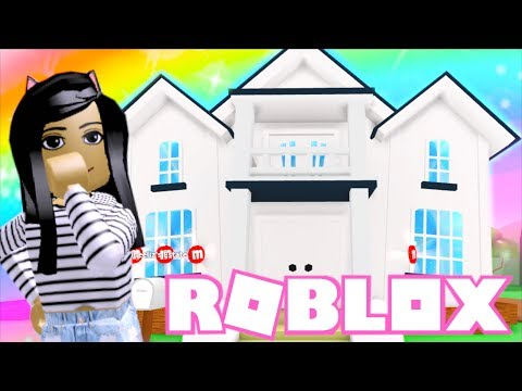 💙Decorating My 2 Story House In Roblox Meepcity