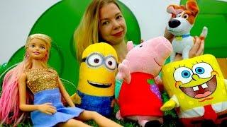 Видео про игрушки. БАРБИ покупает щенка Макса В ЗООМАГАЗИНЕ.