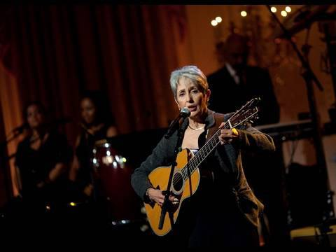 Joan Baez Performs at the White House: 5 of 11