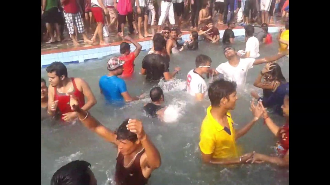 blue mountain country club and resort   pool party