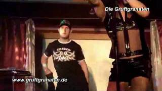 "Gruftgranaten - Parodie: Wendy Lator und Enrico: ""When Loves Takes Over"""