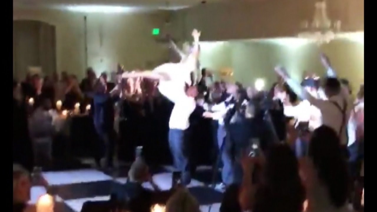 Newlyweds Recreate Dirty Dancing Routine As Their First Wedding