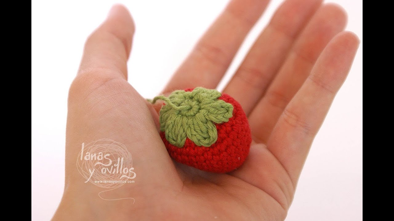 Patron De Cupcake Amigurumi : Tutorial Fresa Amigurumi Strawberry (English subtitles ...
