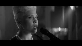 Смотреть клип Тина Кузнецова & Lrk Trio - Посвящение Дню Победы - Москвичи